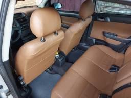 Vendo ou troco astra sedan completo de tudo 2011 Valor 28.000