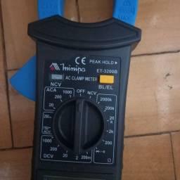 Alicate Amperimetro Minipa ET-3200B
