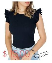 Vendo roupa a preço de custo.