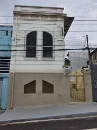 Alugo - Centro - Casa 2 andares - 5 quartos