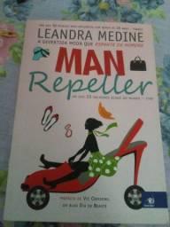 Livro Man Repeller da escritora Leandra Medine