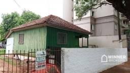 Casa de Madeira com 2 dormitórios para alugar, por R$ 650/mês - Zona 03 - Maringá/PR