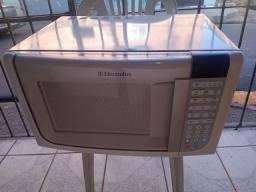 Microondas Electrolux 31 litros pra vender agora