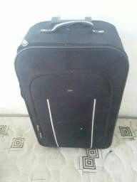 Vendo mala grande de viagem super conservada