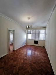 Apartamento para aluguel possui 71 metros quadrados com 2 quartos