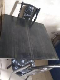 Mesa com 3 dadeira 100 reais