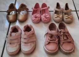 Lote de sapatinhos de menina