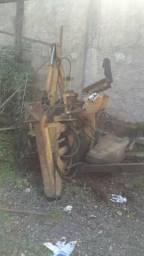 Implemento Retro escavadeira para caminhão