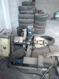 Máquina de desmontagem/montagem de pneu