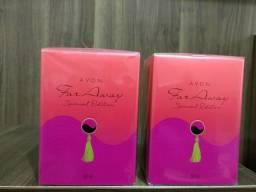 Perfumes 2 Far Away lacrados na caixa