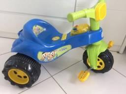 Vendo Triciclo Magic Toys Cebolinha e Cascão