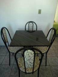 Mesa de mármore quadrada 4 cadeiras