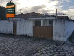 Excelente casa de esquina com 4 quartos no Cristo Redentor