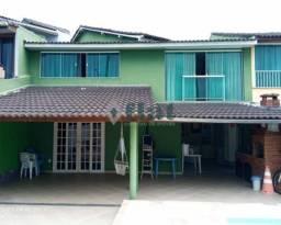 Casa de condomínio à venda com 3 dormitórios cod:FLCN30037