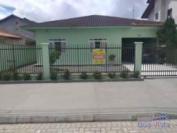 Casa para Venda em Joinville, Espinheiros, 3 dormitórios, 2 banheiros, 2 vagas