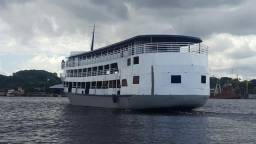 Vendo um barco a vista