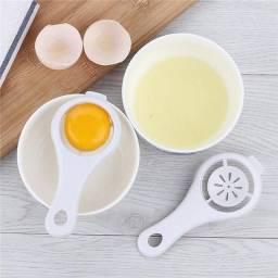 Separador de gema de ovos prático