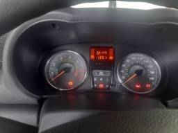 Renault Clio 1.0 16v,cinco portas. Carro em perfeito estado.