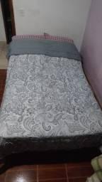 Cama de casal com couchão