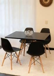 Conjunto de mesa 110x75  4 cadeiras