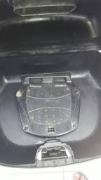 Vendo bauleto da nxr Bros 2 capacetes