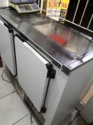 Balcão de frios, freezer, fatiador, mesa de inox, balança