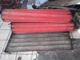 Porta esteira semi nova medindo 2.90 larg × 2.60 alt