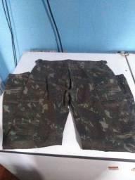 Calça moletom e mais 3 camisas do exército e chapéu