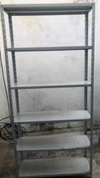 Prateleira de ferro estante