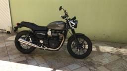 Triumph Street Twin 900cc 2.500km