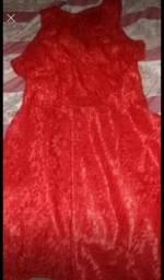 Vende se dois vestidos