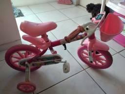 Bicicleta infantil menina