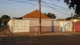 Casa ampla com Piscina - Vila Jacy
