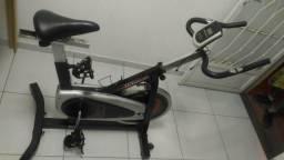 Bicicleta ergométrica jetstream jsc 1100