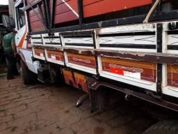 Vendo caminhão - 1996