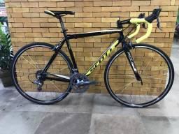 Bicicleta Speed 700 Scott