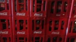 Vasilhames de cervejas e Coca Cola retornável :