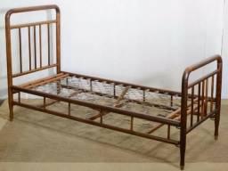 Vendo camas antigas de molas