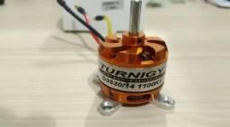 Motor Turnigy D3530/14 1100kv Brushless + Spinner Aerodinâmico