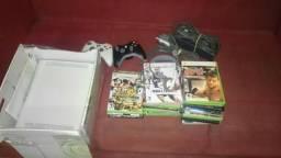 Xbox 360 completo com 2 controle e 40 jogos