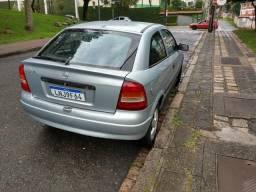 Astra 4 pneus novos - 2001