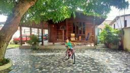 Casa com 6 quartos, 5 suítes, em Adrianópolis