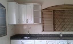 Apartamento 02 quartos com Armários em Altamira