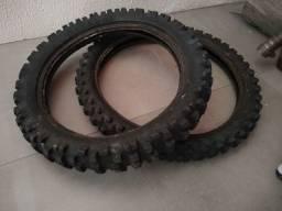 Par de pneus  Rinaldi e Pirelli