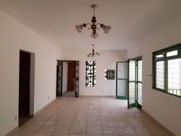 Vende-se casa Comercial e Residencial no bairro jardim Cuiabá MT