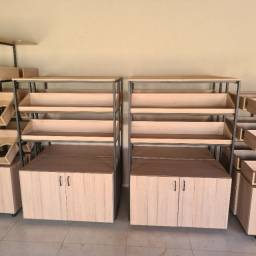 Vende se móveis para comércio