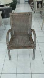 Cadeiras em fibras sintética