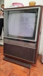 TV Televisão Antiga Mitsubishi TC 2602 de móvel de madeira. Funcionando. 26 polegadas