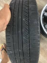 1 pneu bom e uma roda fiat original por 250,00