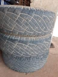 3 pneus usados por 600